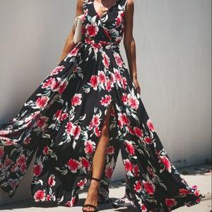 NWOT Vici Monte Rosa Floral Diana Maxi Dress